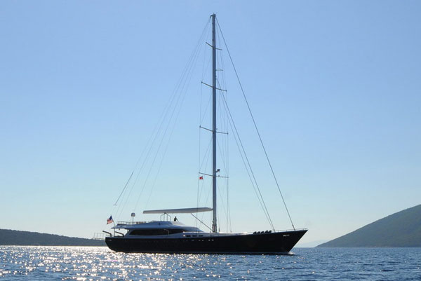 luxury sailing charter