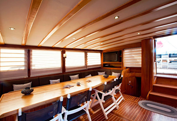 8 cabins luxury Gulet for rent